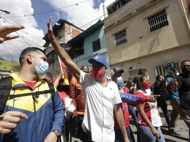 En el circuito 1 de Caracas la campaña electoral empezó casa por casa