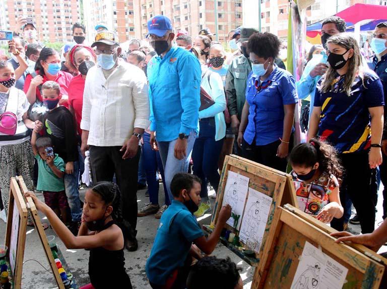 Habitantes de Ciudad Tiuna recibieron atención integral