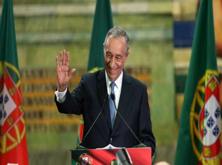 Rebelo de Sousa reelecto en Portugal con el 61,6% de los votos