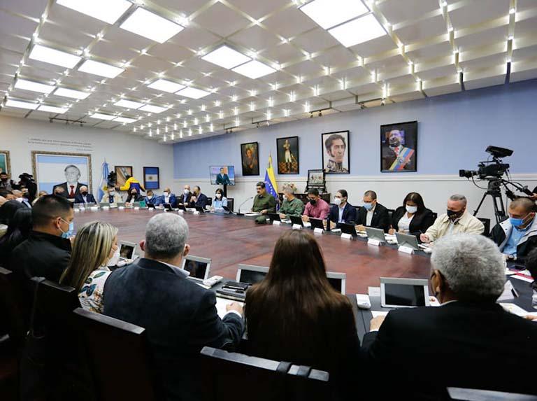 Presidente Nicolás Maduro anunció cambios en su tren ministerial